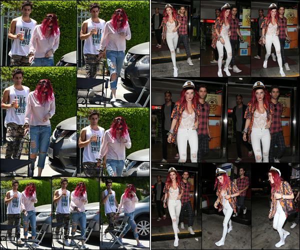 - ..22/07/17.. - La jolie Bella.T a été aperçue allant déjeuner dans Los Angeles en compagnie de Max Ehrich.Le soir, miss Bella a été vue de sortie dans Los Angeles, toujours en compagnie du beau Max. Niveau tenue, bizarrement j'aime  bien son style décalé... -