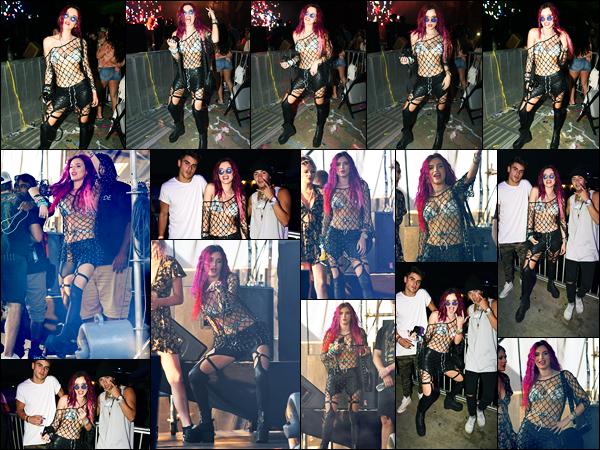 - ..20/08/17.. - Bella Thorne était présente lors du « Billboard Hot 100 Festival » étant dans Wantagh CityNotre magnifique miss Thorne a chanté aux côtés de Marshmello et Young Thug... Coté tenue, je ne suis pas du tout fan de sa tenue, c'est un flop !  -