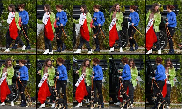 - -- 10.12.17 --''▬ Bella Thorne ainsi que son petit-ami ont été aperçue quittant le domicile de celle-ci, situé à Los Angeles.Je ne suis toujours pas fan de ce couple, mais d'un point de vue esthétique, je trouve qu'ils vont bien ensemble... Petit bonus pour le joli petit chien ! -