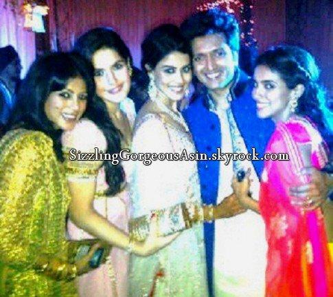 Beautiful Asin snapped at Ritesh & Genelia Sangeet Ceremony