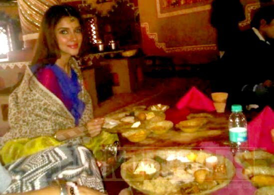 Asin at Jaipur (On the set of Bol bachchan)