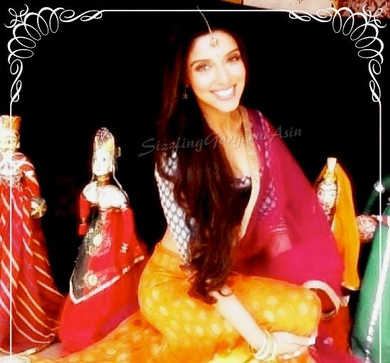 Asin's fun-filled shooting of 'Bol Bachchan'