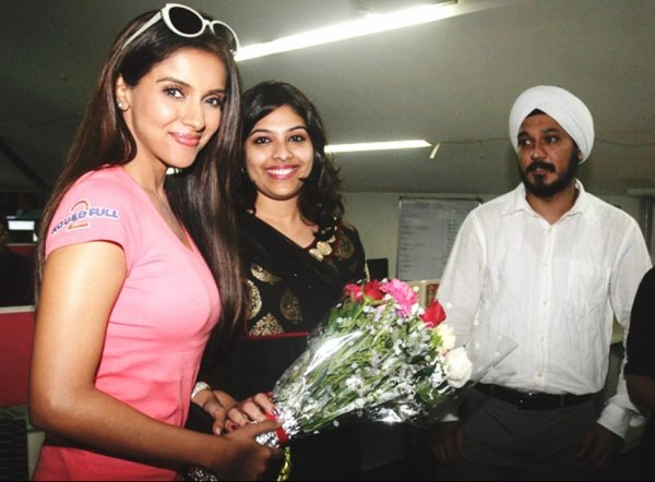 Asin promoting H2 at Mid-day