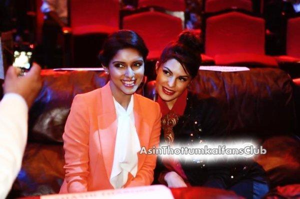 Unseen: Asin at Gadget Guru Conclave & Awards 2012