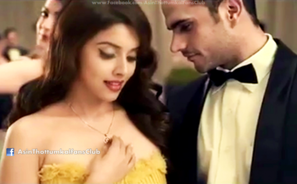 Asin & Kajal new lux ad