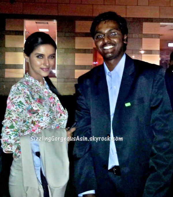 Asin with fans