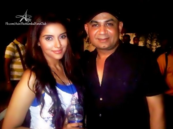 ►► Exclusive Photo Update◄◄ Asin on the set of Khiladi786!