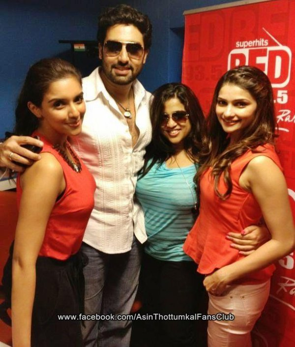 ► Asin Promotes Bol Bachchan at Red FM 93.5 ◄