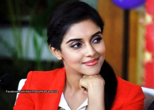 """Energy dips on sets when Abhishek is not around"" - Asin"