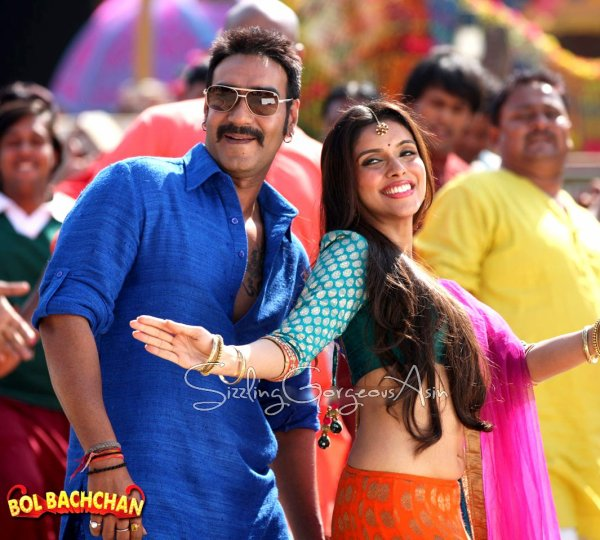 Bol Bachchan Reviews