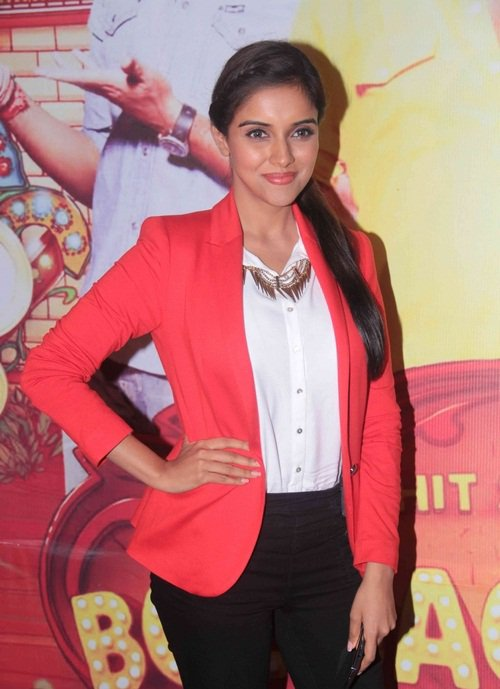 Asin: Leader of the 100 Crore Club!