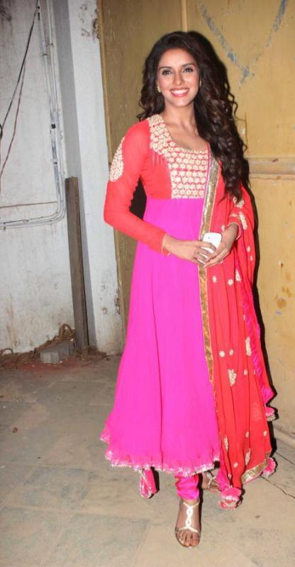 Gorgeous Asin promotes Khiladi786