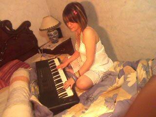 Ben quand je cherche de la concentration je joue avec mon piano  !! (k)