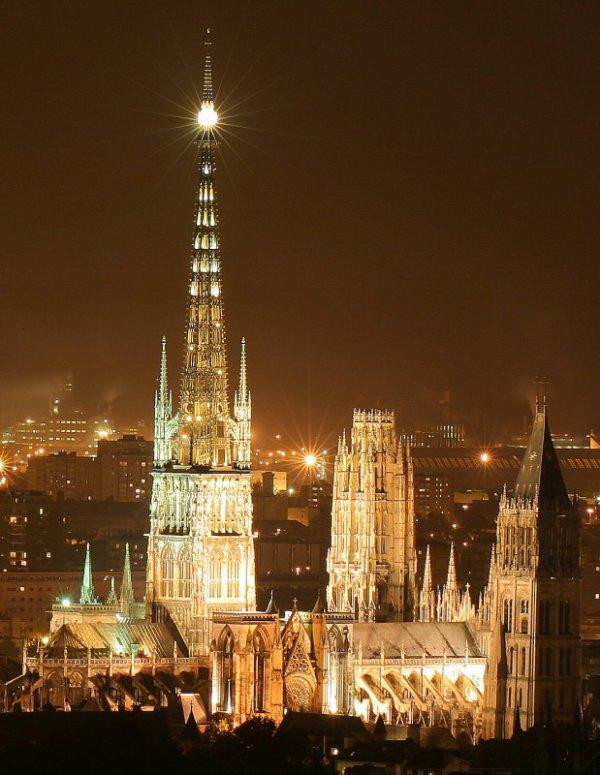 Fascinante et sublime cathédrale Notre-Dame de Rouen.