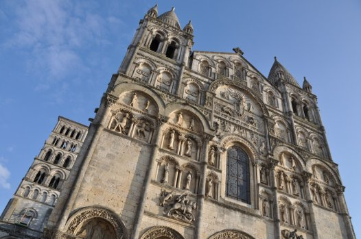 Angoulême, vous connaissez ? Sa ville haute, sa cathédrale romane, ses halles et .... son Sébastien ! ! !