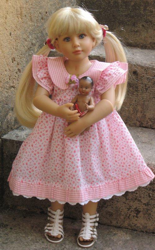 """Camille une jolie Kidz de """"Heart & Soul"""" a emprunté la jolie robe de Gene45"""
