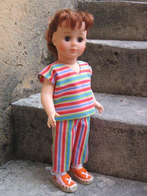La tenue de juin 1962 fait la fierté de cette Marie-Françoise rousse.