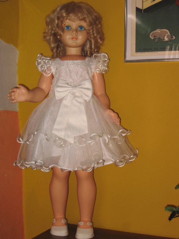 Ma grande Bella porte une jolie robe de fête ...