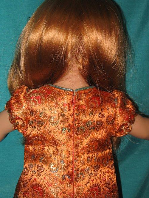 Pour Sarah, d'après un modèle de M&Tpour Emilie de janvier 2010.