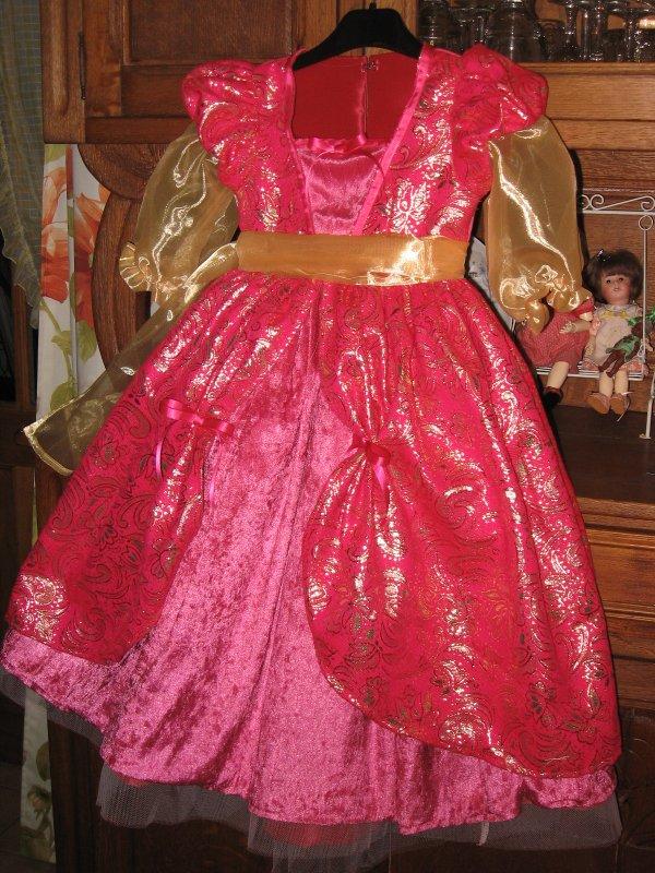 La robe de Princesse pour Guillemette, celle du père Noël !!!