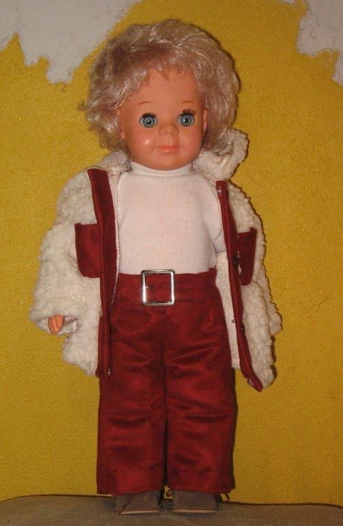 Et voici le pantalon assorti à sa veste de décembre 1971 présentée hier