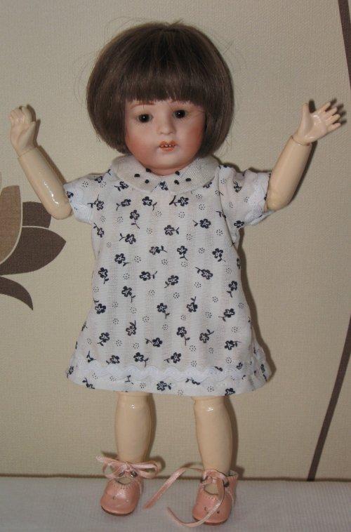 Une petite robe du dimanche avec sa veste assortie pour Loulotte