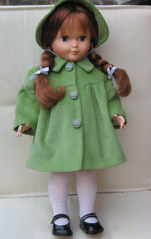 Francette a voulu essayer ce manteau demi-saison