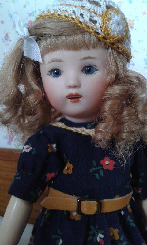 La petite nouvelle : Loulotte aux yeux bleus