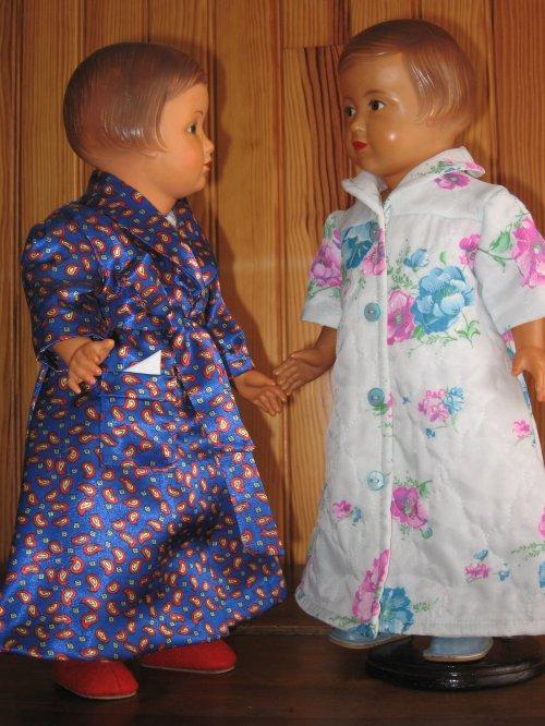 Tant qu'on est dans les robes de chambre, il y a aussi celle-ci ! M&T janvier 1956
