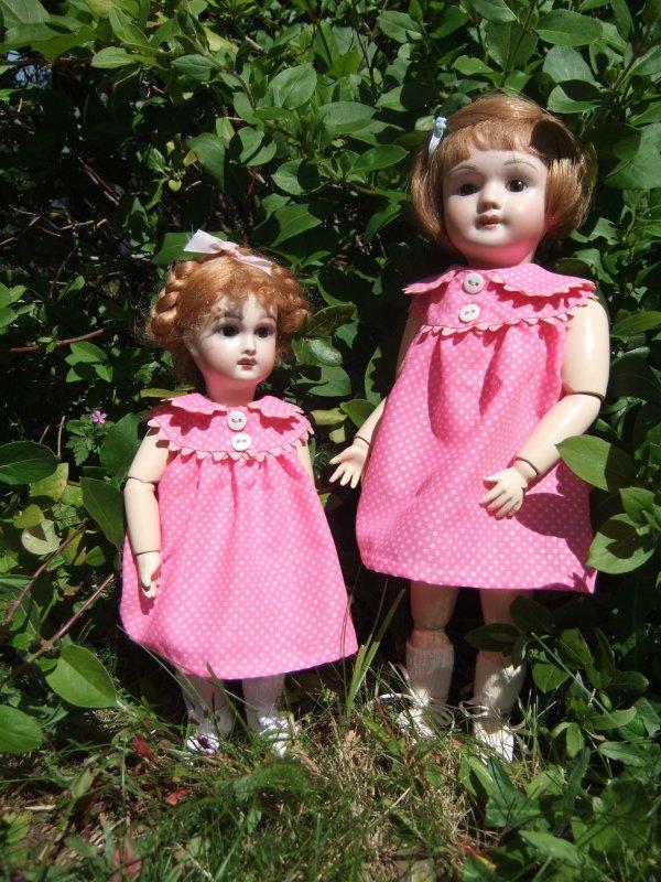 Anne a confectionné ces jolies robes pour Bleuette et Rosette