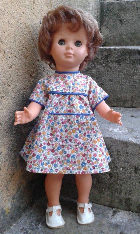 Marie-Françoise rousse en tenue estivale