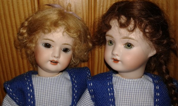 Mes 2 autres Bleuette ont adopté la nouvelle tenue parue dans la semaine de Suzette en 1920