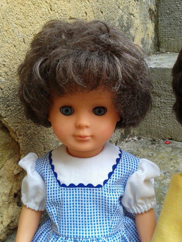 Voici une Marie-Françoise de ??? et l'autre M-F cheveux courts et yeux bleus différents