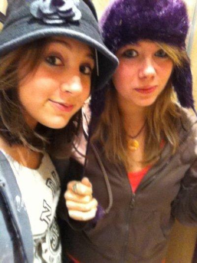 ~ Nina et Aurélie .
