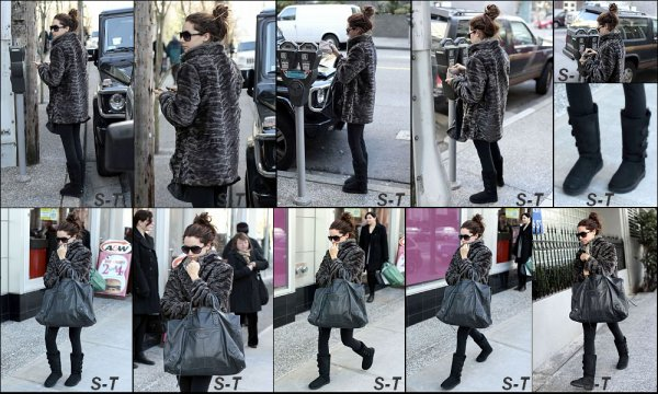 22/02/11 . Ashley à été photographiée dans les rues de Vancouver allant à la gym.