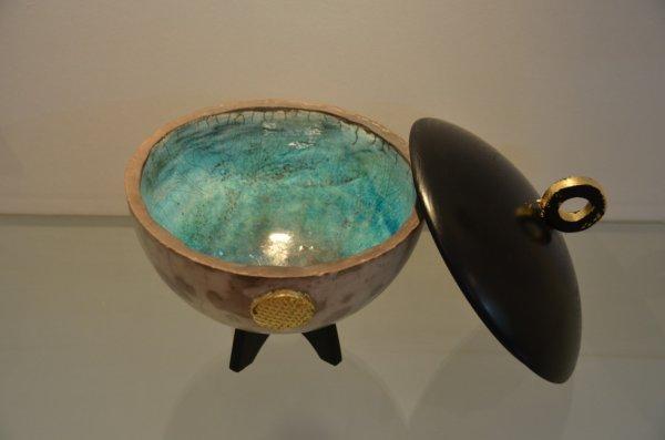 Raku nu -oxyde de cuivre - bois laqué - feuille d'or