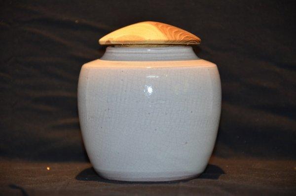 Pot tourné, terre rouge - émail blanc - couvercle bois tourné - Cytise