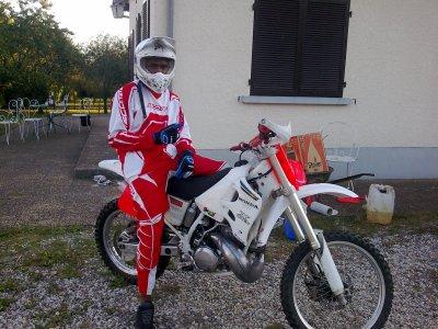 Moi et ma moto cross sisi!!