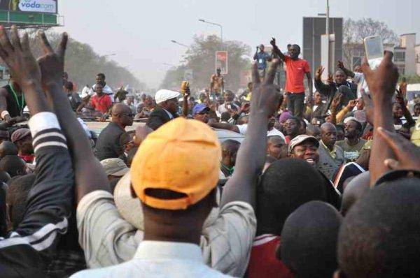 Ivre de populisme - E. Tshisekedi sur les traces de Jean-Pierre Bemba. Par DEDEBUNDES