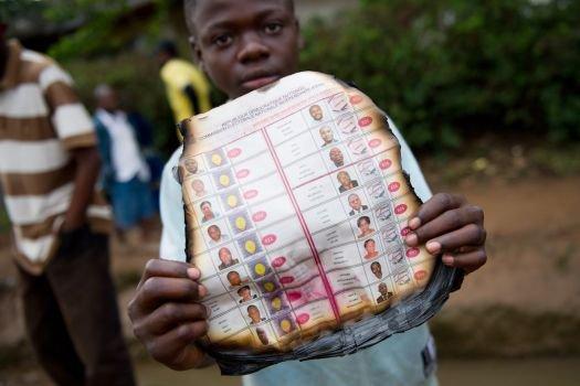 Démantèlement des réseaux frauduleux pour la présidentielle et les législatives 2011 Bravo aux Congolais acquis au changement !