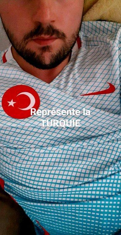 Représente la TURQUIE