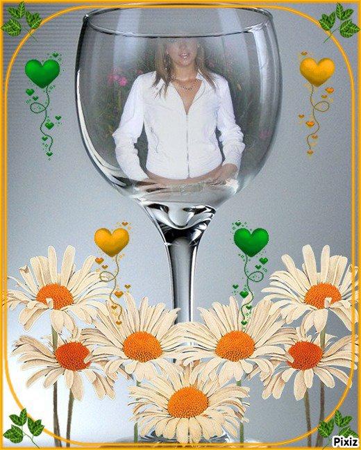 COUCOU    !!!!  GRACE  A  MON  AMIE  LAURA  !!!!  JE  VOUS  SOUHAITE  UN  AGREABLE   WEEK  END   !!!!!    SOUS  LE  SOLEIL  !!!!!   JE  VOUS  DIS   !!!!  A  MERCREDI   !!!!!   KISSOUS  DE  MANON  !!!!  NE  M' OUBLIEZ  PAS  !!!!!!  JE  PENSERAI  A  VOUS