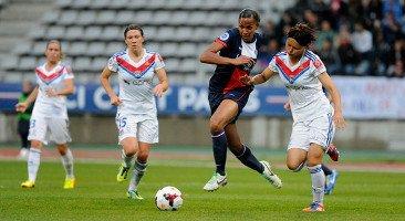 Lyon garde la main