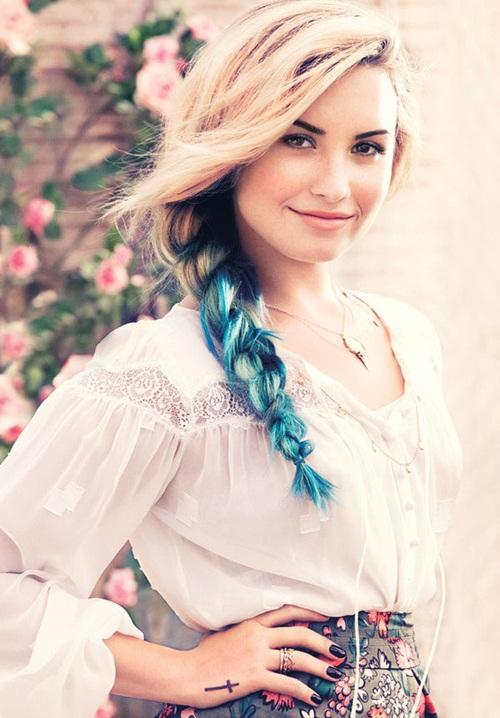 """"""" Notre amour est comme une chanson, mais désormais tu ne chantes plus."""" Demi Lovato"""