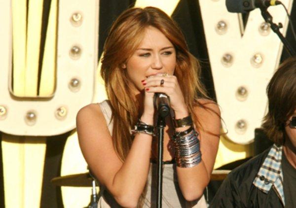 """"""" Si tu crois en toi, tout est possible."""" Miley Cyrus"""