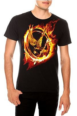 Hot Topic sort enfin des articles Hunger Games