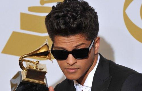 Breaking down  / It will rain - Bruno Mars (2011)