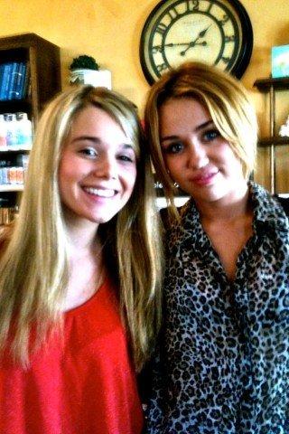 18.08.2011 Miley & Liam chez le coiffeur