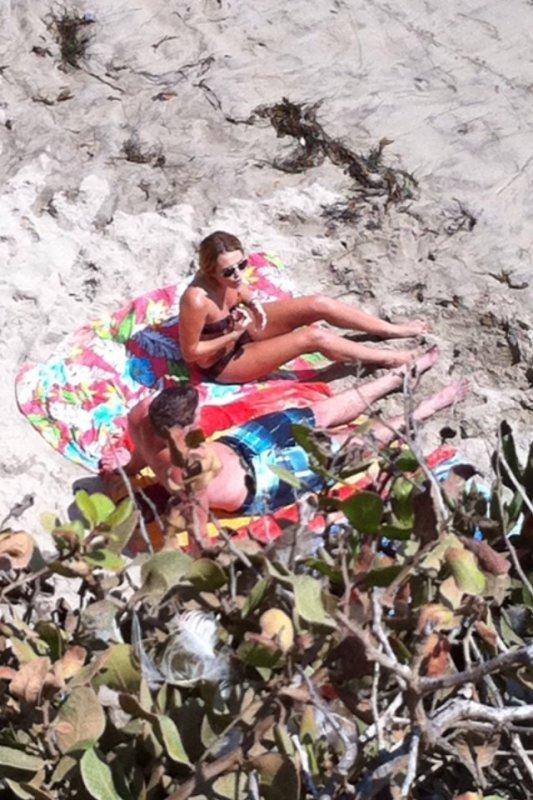 19.08.2011 Miley & Liam à la plage, Los Angeles