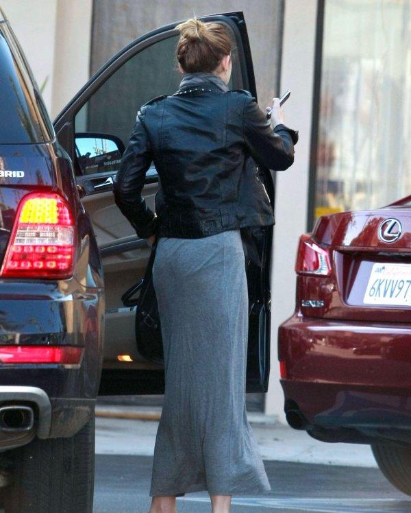 22.11.2011 Miley se fait enlever un tatouage, Los Angeles